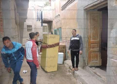 """بالصور  تصدع 8 منازل بقرية في بني سويف.. والأهالي: """"قعدنا في الشارع"""""""