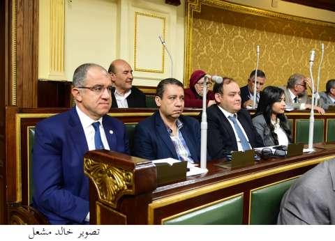 """يوسف الشاذلي: حلف اليمين أمام البرلمان """"حدث تاريخي"""""""