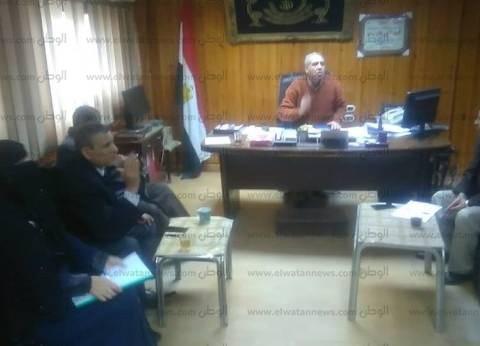 """رئيس مدينة """"سيدي سالم"""" يناقش تفعيل مبادرة """"كفر الشيخ خالية من الأمية"""""""