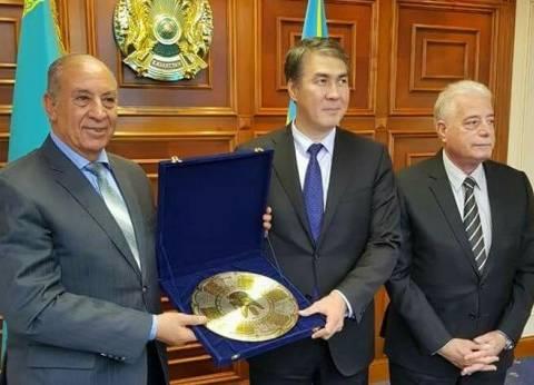 محافظ البحر الأحمر يبحث أوجه التعاون مع محافظ أستانا الكازاخستانية