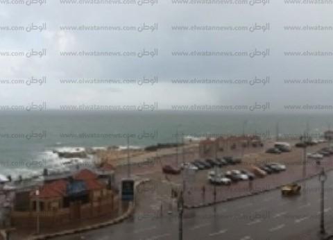 رغم سوء الأحوال الجوية.. استمرار العمل بمينائي الإسكندرية والدخيلة