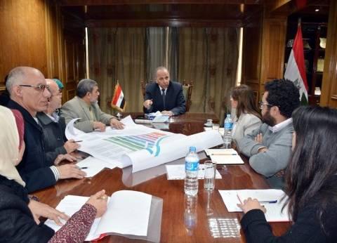 """محافظ القليوبية يلتقي ببعض مسؤولي """"التخطيط العمراني"""" و""""الهابيتات"""""""
