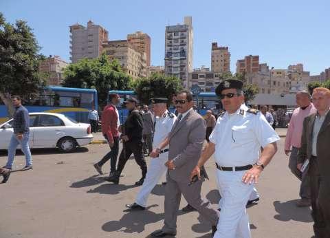 إزالة تعديات حرم الطريق بمحطة مصر في الإسكندرية