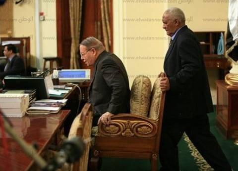 الوحيد الذي فعلها من نظام مبارك .. فتحي سرور يدلي بصوته في جاردن سيتى