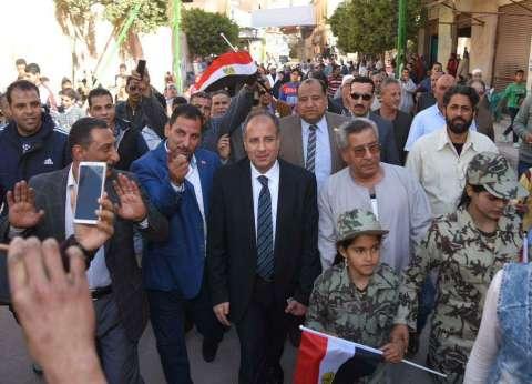 محافظ الإسكندرية يتفقد العملية الانتخابية بدائرة العامرية أول