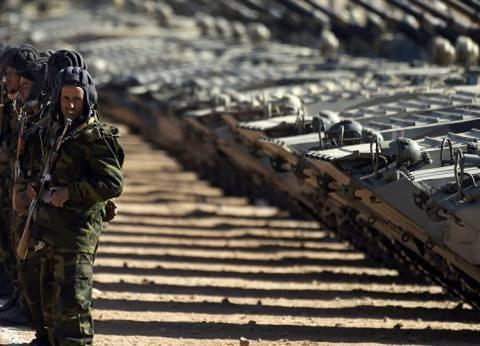 """عرض عسكري لـ""""البوليساريو"""" على الحدود الجزائرية"""