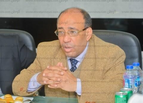 رفعت رشاد: على الدولة دعم الصحف الحزبية والخاصة حفاظا على المهنة
