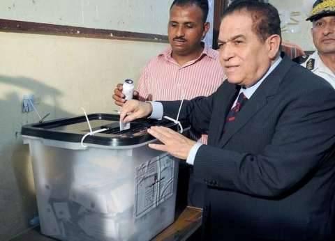"""الجنزوري.. """"الحاضر في صفوف الناخبين منذ ثورة يناير"""""""