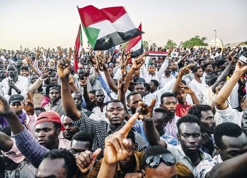 """""""ولد لبات"""" يؤكد على رغبة التوافق من """"العسكري السوداني"""" و""""قوي التغيير"""""""