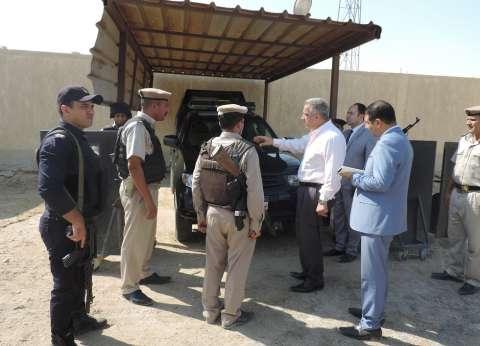 مدير أمن الفيوم يواصل تفقد تمركزات المدينة والطرق الصحراوية