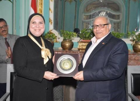 مذكرة تفاهم مشترك بين جامعة عين شمس وجهاز تنمية المشروعات المتوسطة