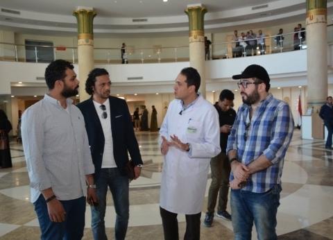 نجوم الفن المشاركين بمهرجان الأقصر للسينما يزورون مستشفى شفاء الأورمان