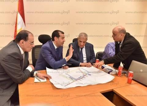 محلب يلتقي الحريري: مصر مستعدة لنقل تجربتها في مجال البنية التحتية