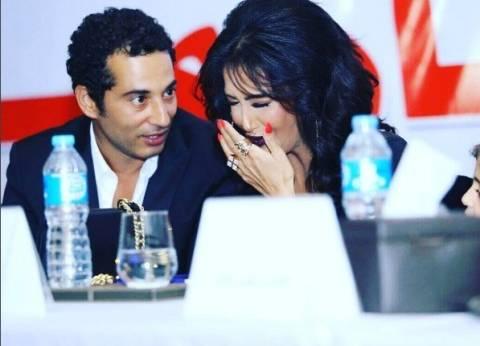 """غادة عبد الرازق لـ""""عمرو سعد"""": """"افتقدتك من ساعة فيلم """"كف القمر"""""""