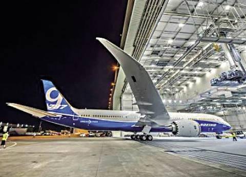 «طائرة الأحلام» تنضم إلى «مصر للطيران» والقاهرة تستضيف اجتماع قائدات الطائرات