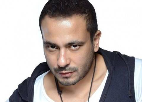 بالصور| محمد نجاتي أثناء احتجازه والتحقيق معه في مطار عمان بالأردن