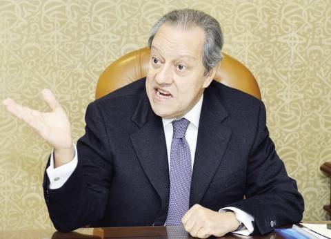 وزير الصناعة السابق: نحن في مرحلة بناء وطن.. والشباب هم المستفيدون