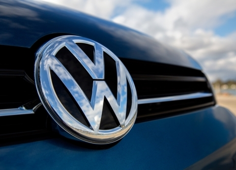 فولكس فاجن: نسعى لبيع مليون سيارة كهربائية بحلول عام 2025