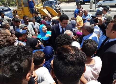 نائب محافظ القاهرة يلتقي أهالي عين الحياة لوضع آلية لإخلاء المنطقة