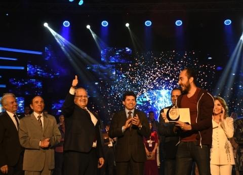 بالصور| جامعة القاهرة تفوز بدرع التميز للعام الثاني على التوالي بإبداع