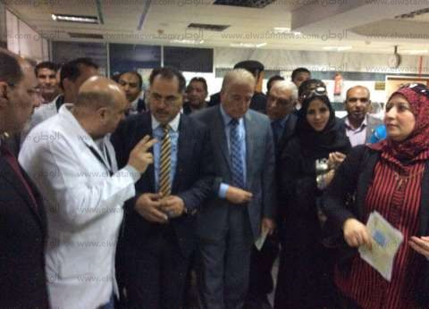 بالصور| وكيل مجلس النواب يستمع لمشاكل المواطنين بمستشفى طور سيناء