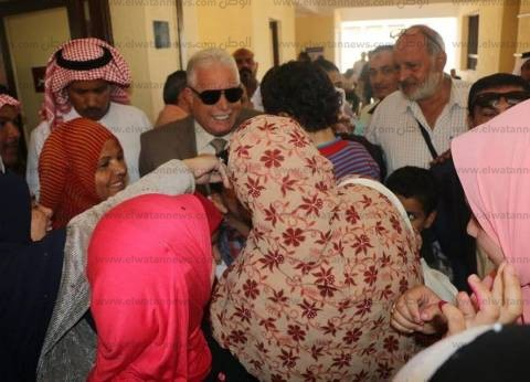 محافظ جنوب سيناء يتفقد لجان الانتخابات.. والسيدات تستقبله بالزغاريد