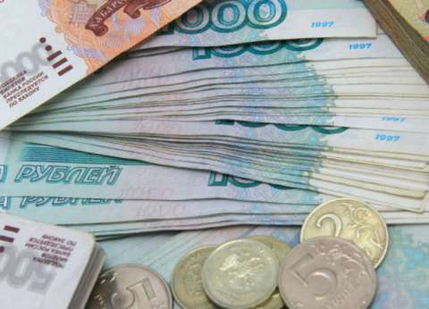 وزير المالية الروسي: لا نستهدف تخفيض الروبل