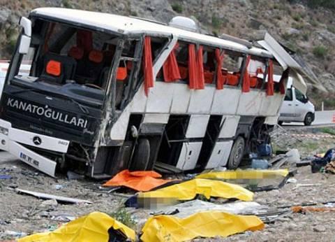 """مصرع عامل وإصابة 15 إثر حادث مروري على طريق """"السويس - العين السخنة"""""""