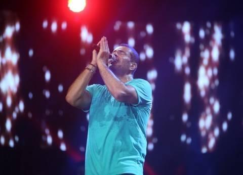 """ألبوم عمرو دياب """"كل حياتي"""" في أزمة بسبب الموزع طارق مدكور"""