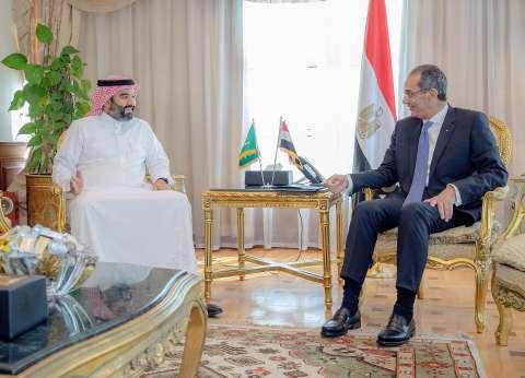 طلعت يبحث دعم التحول الرقمي مع وزير الاتصالات السعودي