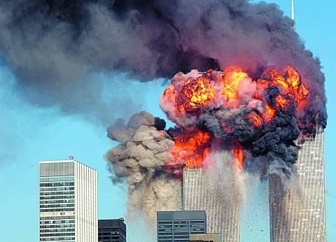 في الذكرى الـ16 لـ«11 سبتمبر».. كيف وثق الإعلام الأمريكي الهجوم الدامي
