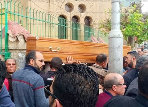 بالصور| الآلاف يشيعون جثمان الدكتور محمود حمزة مؤسس مركز القلب بالمحلة