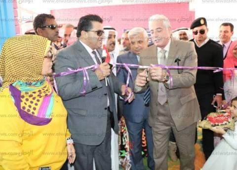 محافظ جنوب سيناء يشهد الأنشطة التعليمية بمدينة دهب