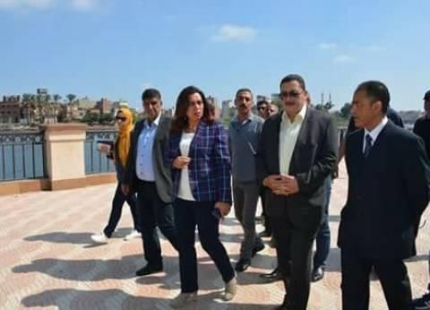 محافظ دمياط تتابع أعمال إصلاح وصيانة كسر خط المياه الرئيسي بفارسكور