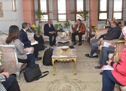 محافظ بني سويف يلتقي وفدا من وزارتي التنمية المحلية والتخطيط