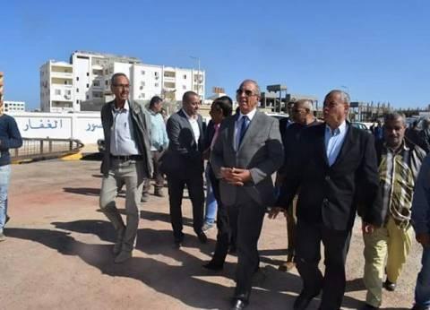 محافظ البحر الأحمر يتفقد مقابر شهداء القوات المسلحة في الغردقة