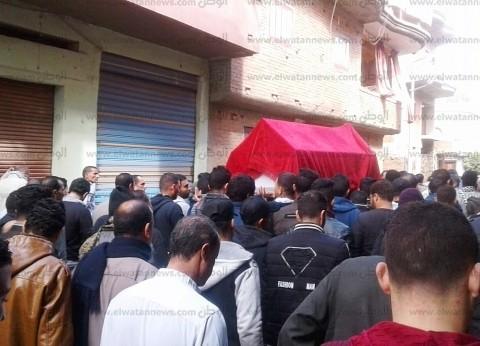 بالصور| أهالي الغربية يشيعون جنازة إبراهيم محمد ضحية حريق محطة مصر
