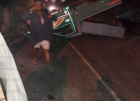 مصرع طفل وإصابة شخص في انقلاب سيارة بطريق مطروح- الإسكندرية