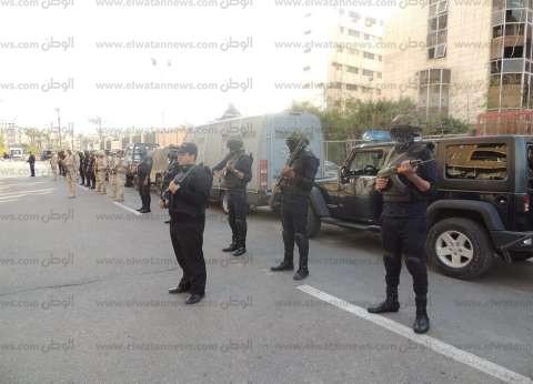 3 سيارات أمن مركزي واثنتين للتدخل السريع تنتشر في ميدان التحرير