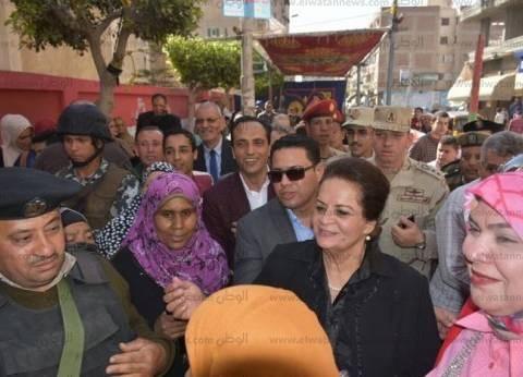 محافظ البحيرة تتفقد عددا من لجان أبو حمص في اليوم الثاني للتصويت