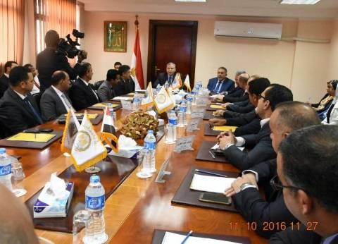 وزير التموين والتجارة الداخلية يلتقي بأعضاء الغرفة والسلاسل التجارية