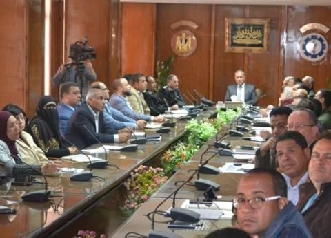 محافظ السويس يؤكد على سرعة الانتهاء من تطوير مدخل طريق القاهرة