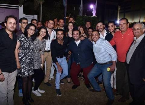 """عمرو سعد يحتفل بعيد الفطر مع فريق عمل """"يونس ولد فضة"""""""