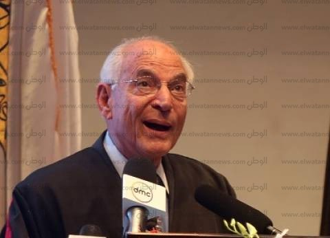 فاروق الباز: عدم استخدام عقول الشباب سيجعل مصر متأخرة