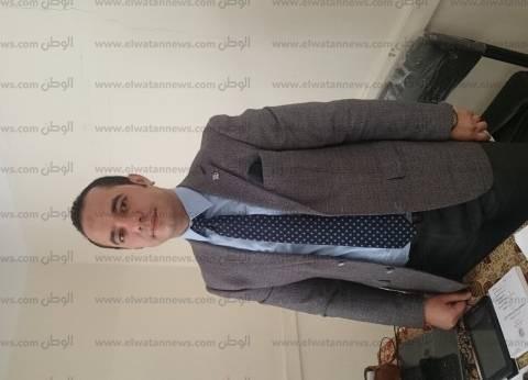 قاضي لجنة ببولاق أبوالعلا يوقف الانتخابات 10 دقائق لأداء صلاة الظهر