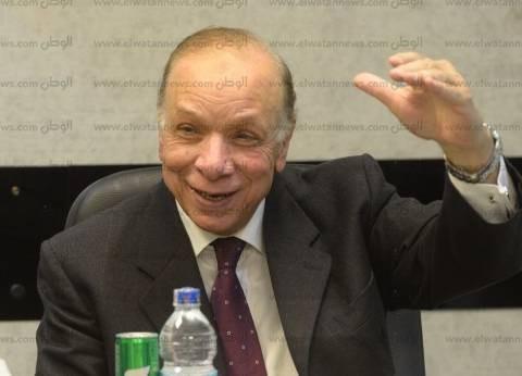 محافظ القاهرة يكرم أسر شهداء الجيش والشرطة