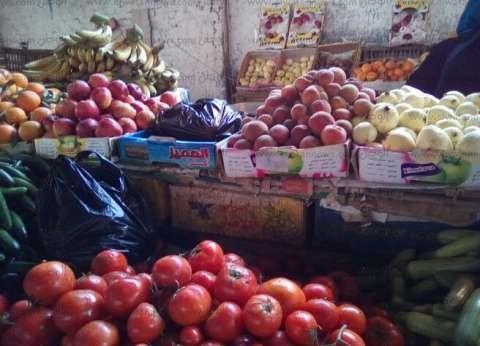 """""""تموين مطروح"""": معرض لوجيستي لبيع الخضر والفاكهة في رمضان"""