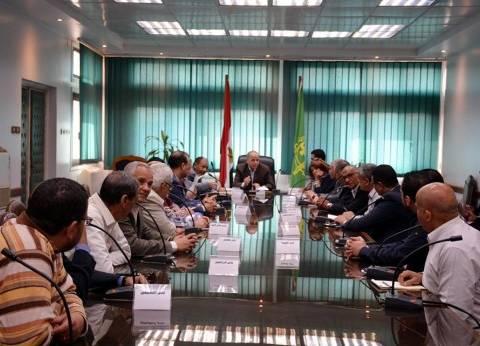 محافظ القليوبية: لجنة لمواجهة المنشآت الخرسانية والتعديات على النيل