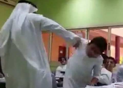 """""""التعليم"""" في السعودية توقف معلم عاقب طالب بـ""""قسوة"""".. ووالده يقرر مقاضاته جنائيا"""