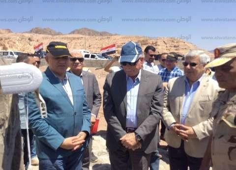 وزير الري يتفقد متحف النيل في زيارة سريعة لأسوان